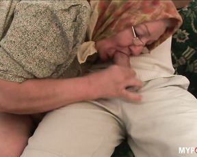 A young guy experienced an mind-blowing orgasm from granny