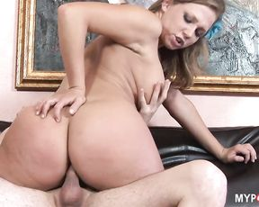 Beautiful girl Nikki Sexxx loves to fuck