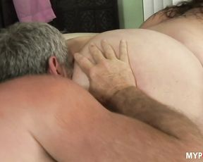 Big size babe Angelina likes to feel cock inside her wet pussy