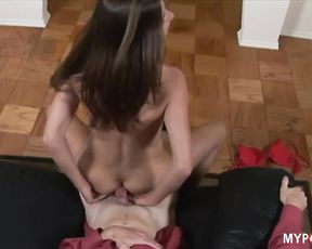 Kelly Kline's naughty hands know how to jerk off