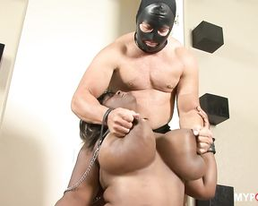 BBW Cassidi Jai receives punishment from his master