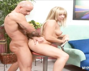 Viki La Vie loves rough sex with hard dick