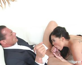 Wild Asian babe London Keyes fucked in hardcore mesmerising scene
